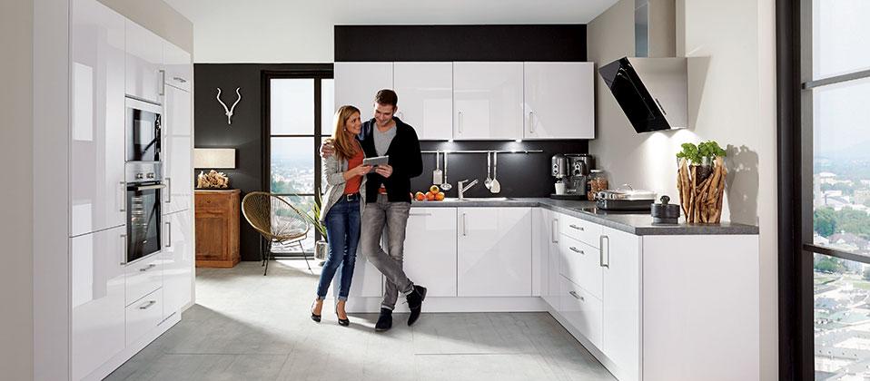 puristische designk che in wei em lack haus der k chen. Black Bedroom Furniture Sets. Home Design Ideas