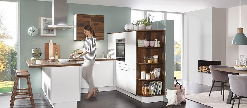 Kompakte Einbauküche in U-Form | Haus der Küchen